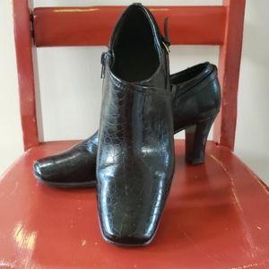 Brown Leather Aerosoles Heel Size 8